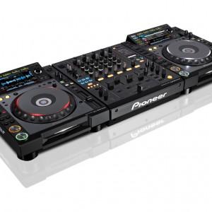 pioneer-cdj-2000-set-side